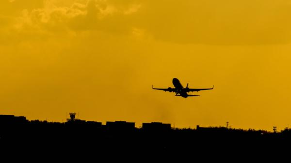 Aeroplane launching