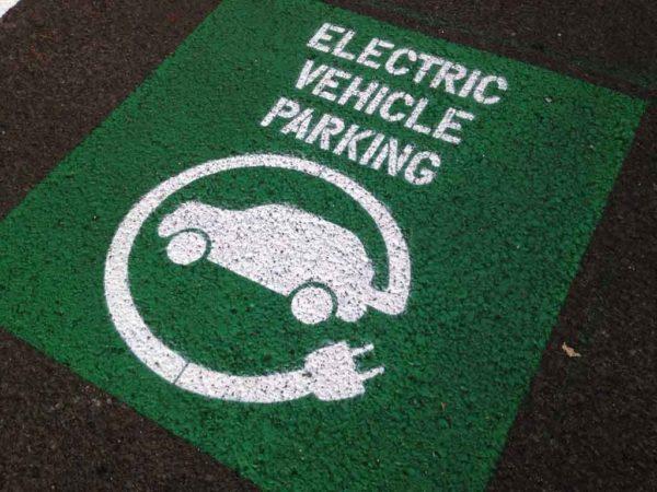 Ev parkign sign
