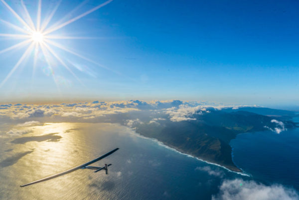 Solar Impulse flying over Hawaii. Image: Solar Impulse, Creative Commons license